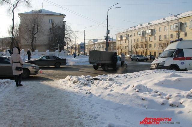 В Оренбурге на проспекте Победы «ВАЗ» сбил пенсионерку