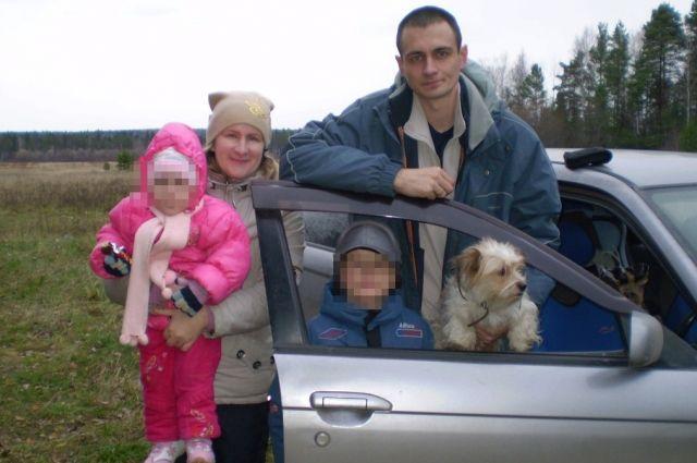 ВКольцово насмерть замерзла собачка, которую бросили спешившие нарейс хозяева