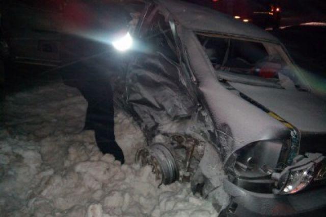 Пятилетняя пассажирка Лада Priora погибла натрассе под Самарой