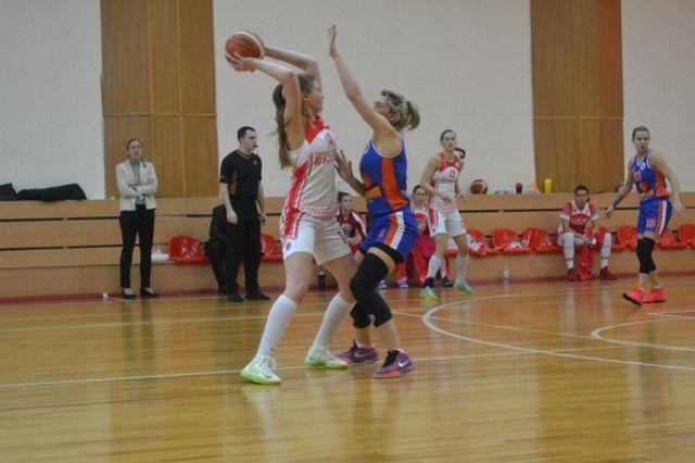 «Юность» набрала 23 очка и продолжает лидировать в группе «А» женской Суперлиги второго дивизиона.