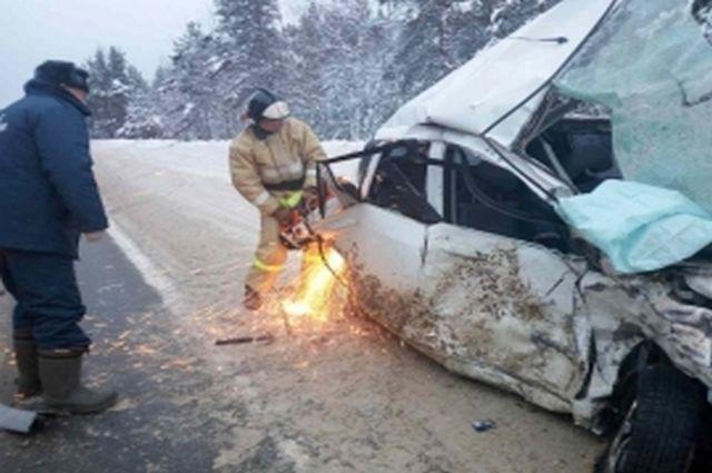 Вжутком ДТП насолотчинской трассе погибли два человека