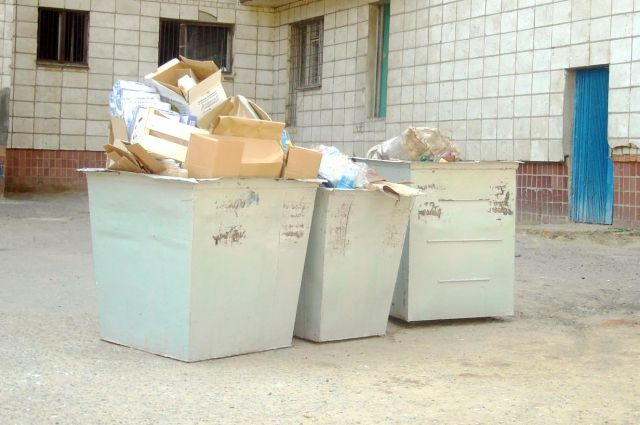 Тело с признаками насильственной смерти было найдено около мусорных баков общежития на улице Металлургов.