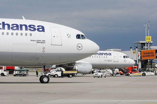 Самолет Lufthansa экстренно приземлился в Москве из-за неполадки