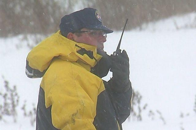 ЧП случилось напротив залива «Крол», спасатели выехали на место по сообщению жителей.