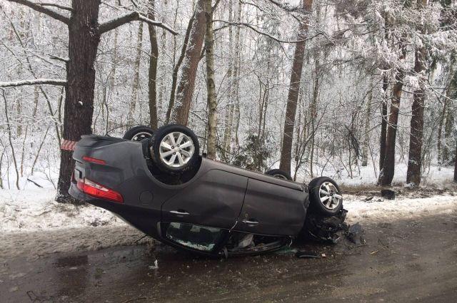 Натрассе Калининград-Балтийск перевернулась иностранная машина: пострадал шофёр