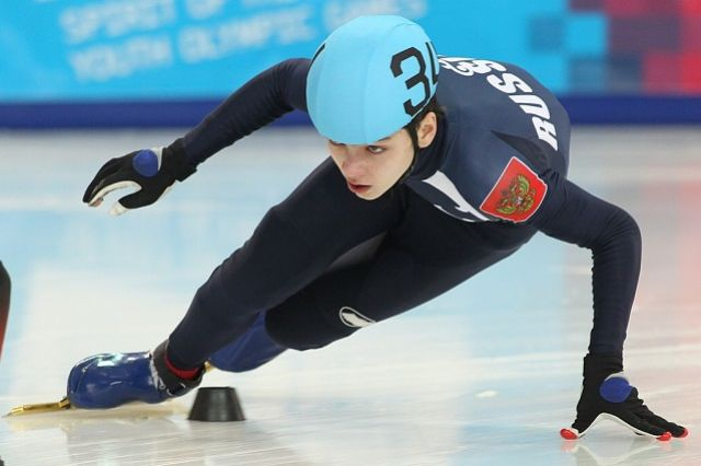 Пензенец Денис Айрапетян завоевал серебро наЧЕ пошорт-треку