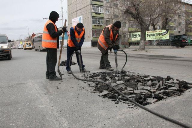 На ремонт дорого в областной столице могут потратить 13 млрд рублей.