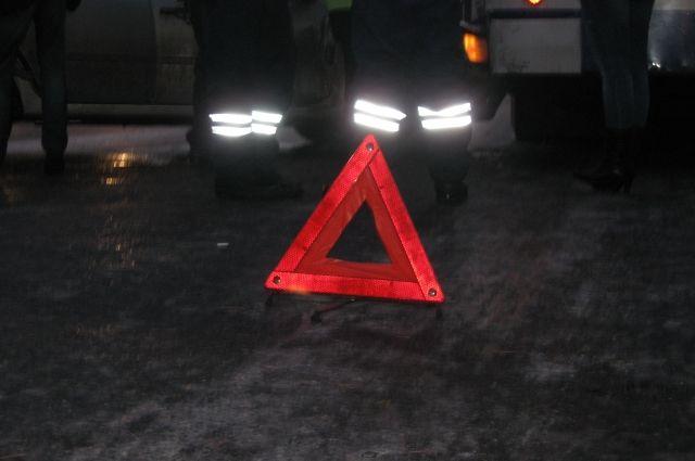 ВДаниловском районе столкнулись «ВАЗ» и грузовой автомобиль «Рено», умер человек