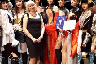 В ноябре Театру моды Ольги Букиной исполнится 20 лет.