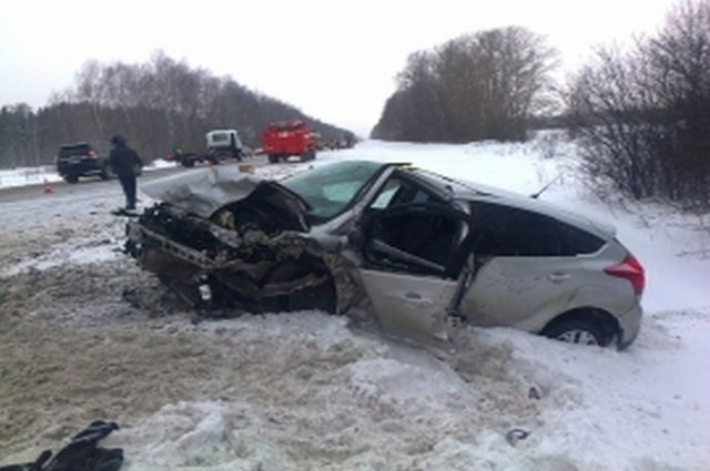 Иностранная машина и«семерка» столкнулись под Рязанью. Погибли три человека