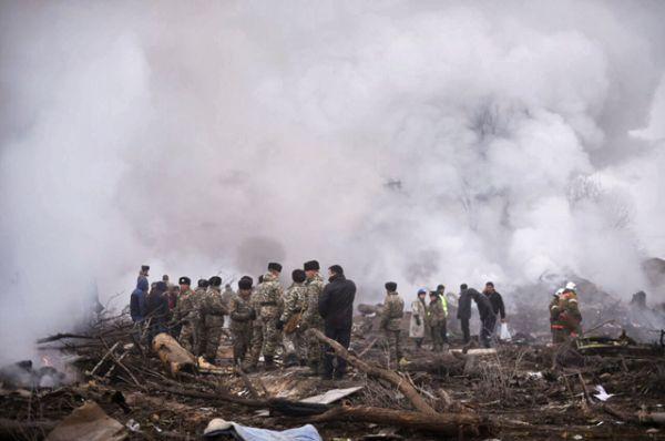 В настоящий момент возгорание на грузовом самолете локализовано.