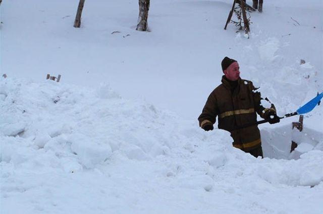 Предпринимателей крупно оштрафовали завывоз снега взапрещенные места