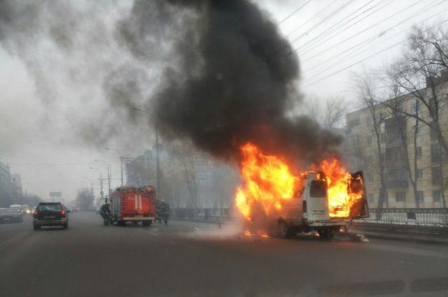 Вцентре Волгограда сгорела маршрутка №15С