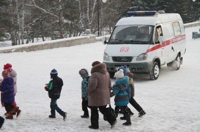 При столкновении 2-х машин наВолжском проспекте пострадали три ребенка