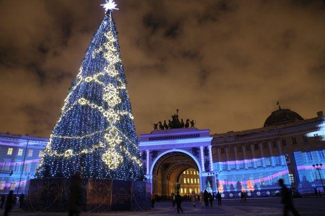 Квечеру главную новогоднюю ель города увезут сДворцовой площади