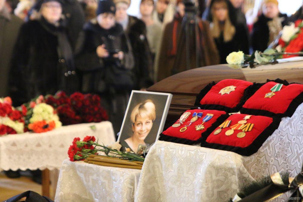 Гражданская панихида по Елизавете Глинке прошла в Новодевичьем монастыре в Москве.