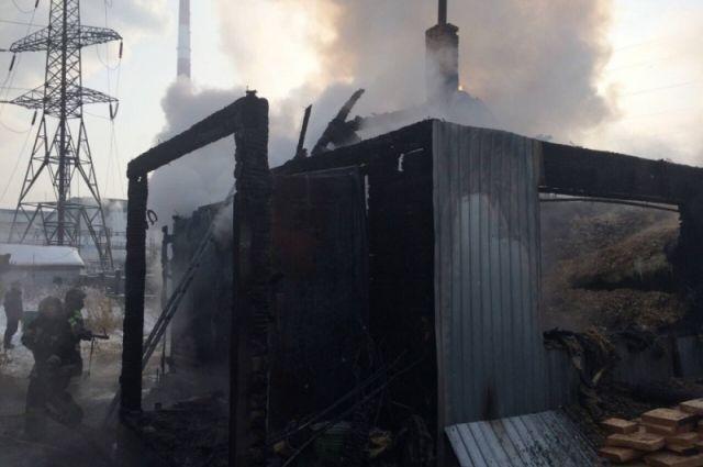 Место смертельного пожара в Иркутском районе.