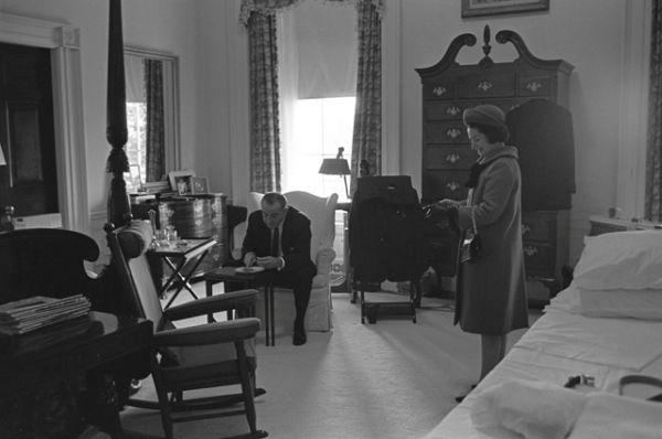 Избранный президент Линдон Джонсон и Леди Бёрд Джонсон утром перед инаугурацией в январе 1965 года.