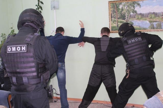 В Орске задержаны похитители оружия