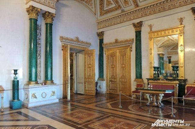 Эрмитаж стал наиболее популярным музеем РФ вновогодние праздники