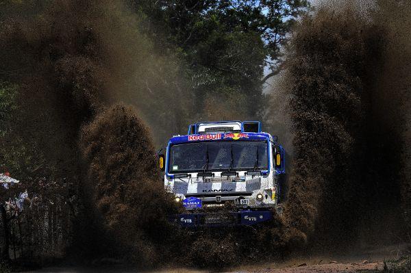 КАМАЗы грязи не боятся