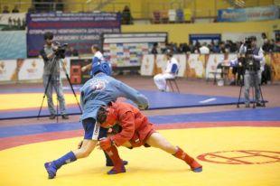 Новосибирские самбисты успешно выступили на всероссийских соревнованиях