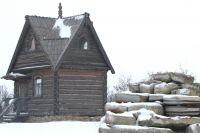 Памятник 16 исчезнувшим хуторам (справа) очень необычен.