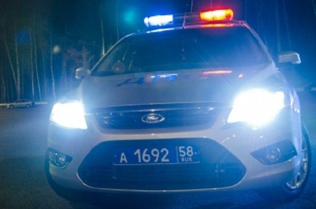 Грабители передвигались на легковом автомобиле, который задержали полицейские.