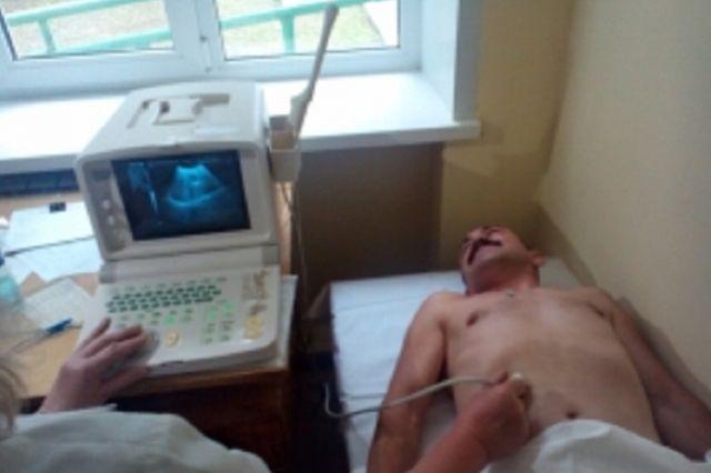 После проведенного лечения пациент покинул больницу.