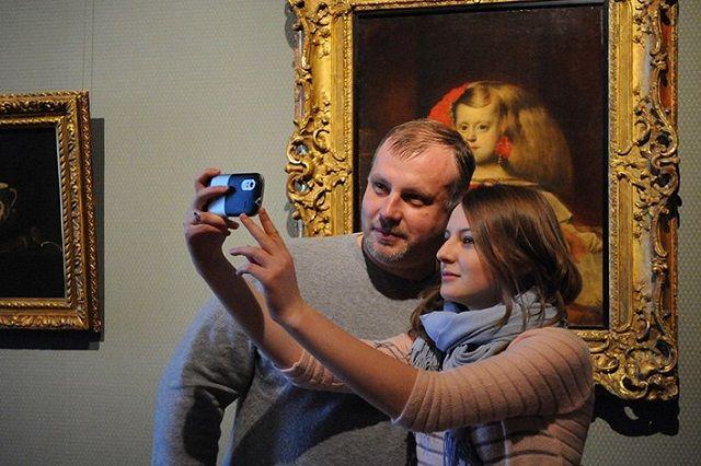 В русских музеях стартует акция «Музейное селфи»
