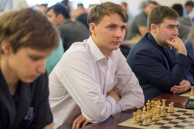 Евгений Присталов (в центре): матч против Магнуса Карлсена должен стать прорывом нижегородских шахмат.