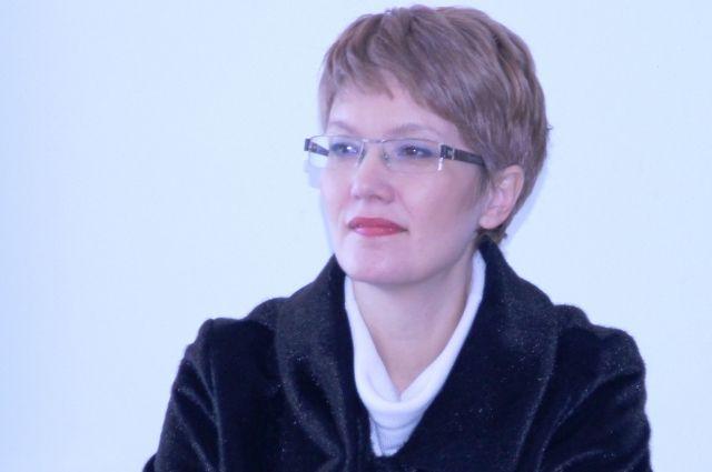 Свою карьеру Инна Елецкая начинала с должности учителя в городской школе № 30.