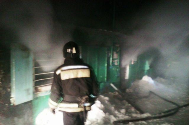 Вцентре Тюмени напожаре вбытовке сгорел человек
