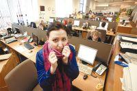 Двое из пяти негативно относятся к появлению в офисе коллег с простудой.