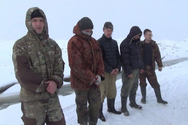 ВЗеленоградском районе попались споличным 12 копателей янтаря