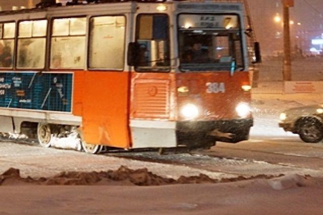 ВПерми трамвай №7 сошел срельсов