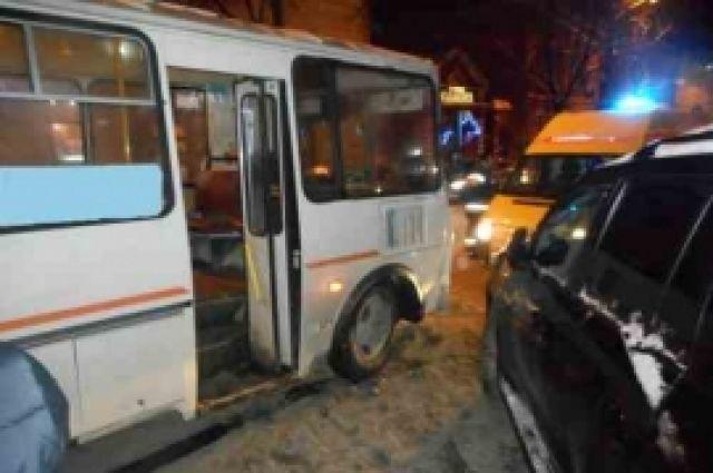 Начальник «Мытного рынка» устроил массовое ДТП вцентре Нижнего Новгорода и исчез