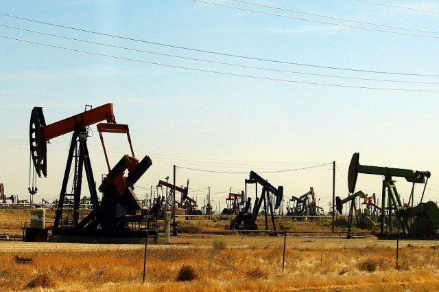 Нефть продолжает дорожать наданных API осокращении запасов вСША
