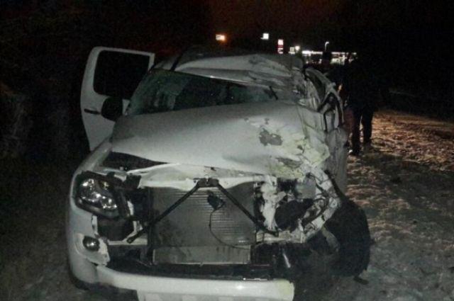 ВКалачевском районе шофёр иномарки уснул иврезался вдерево