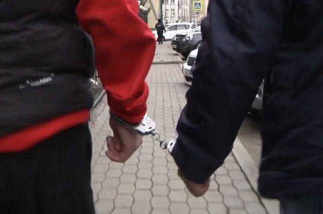 Полицейские задержали мошенника в Хакасии.