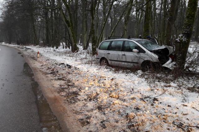 На трассе под Зеленоградском в ДТП разбился 64-летний водитель.