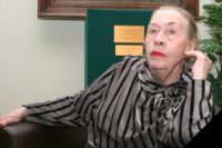 Е. Иофель подготовила более 150 первоклассных оперных певцов.