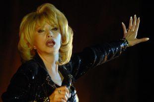 Ирина Аллегорова – одна из самых полупярных и любимых российских эстрадных певиц.