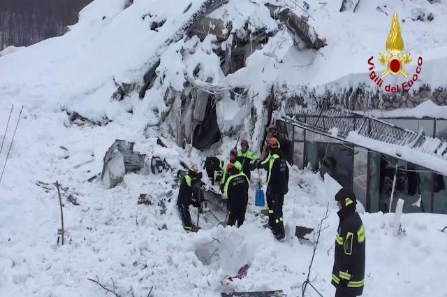 В Италии число людей, спасенных из накрытого лавиной отеля, достигло восьми - Real estate