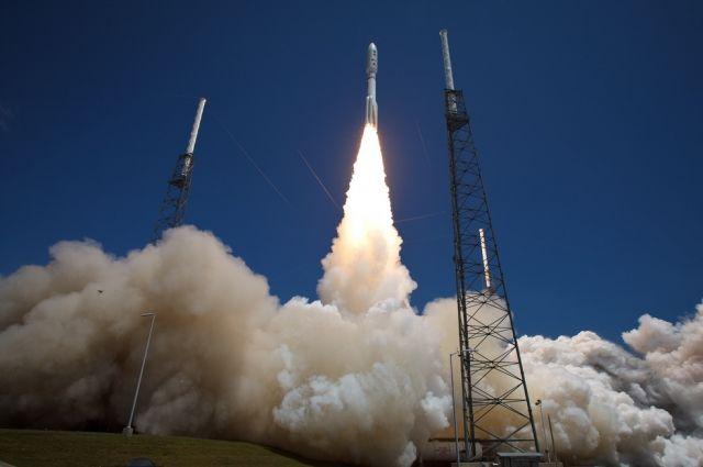 Смыса Канаверал стартовала штатская ракета Atlas Vсоспутником GEO-3
