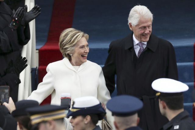 Трамп поблагодарил Клинтон засмелость посетить церемонию инаугурации