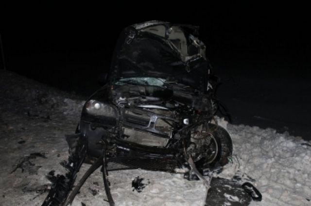 ВЧР натрассе у грузового автомобиля отцепился прицеп, вкоторый врезался БМВ