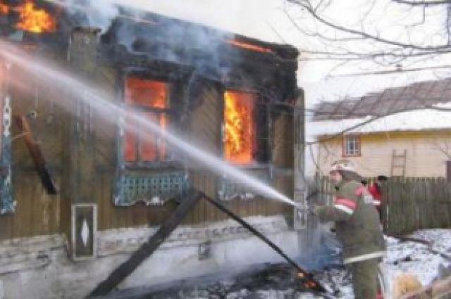 Следственный комитет возбудил уголовное дело по факту поджога и убийства.