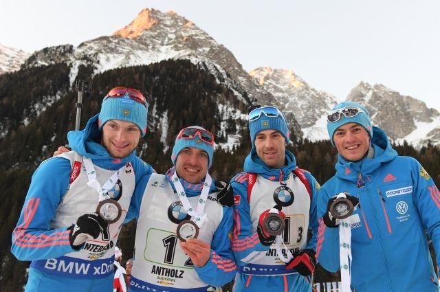 Сборная РФ завоевала бронзу в эстафете на этапе кубка мира по биатлону