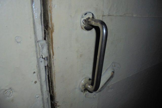 Злоумышленница воспользовалась тем, что в квартиру был свободный доступ.